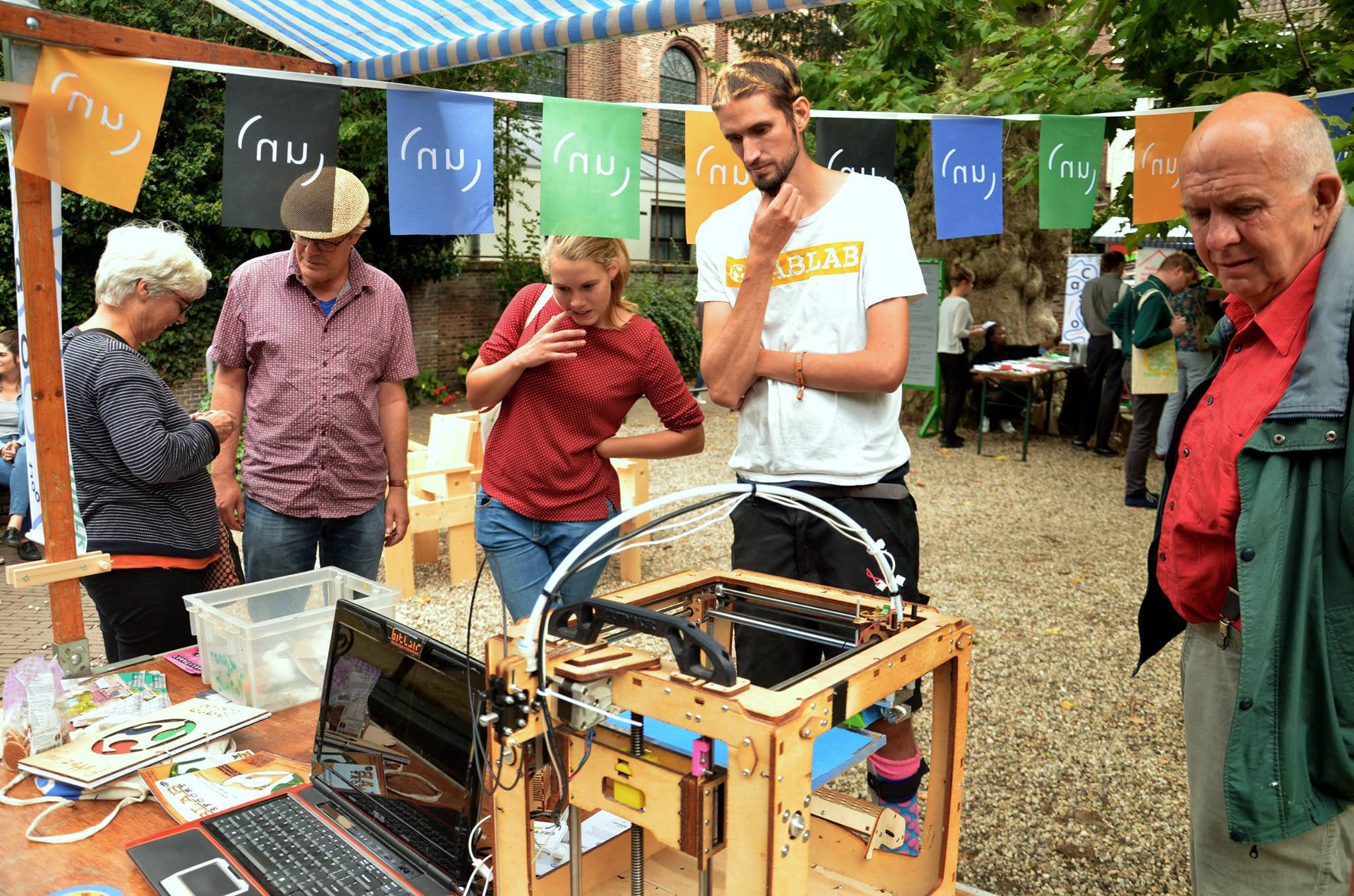 Fablab at the marketplace, photo by Whitney Stark (September 2016)
