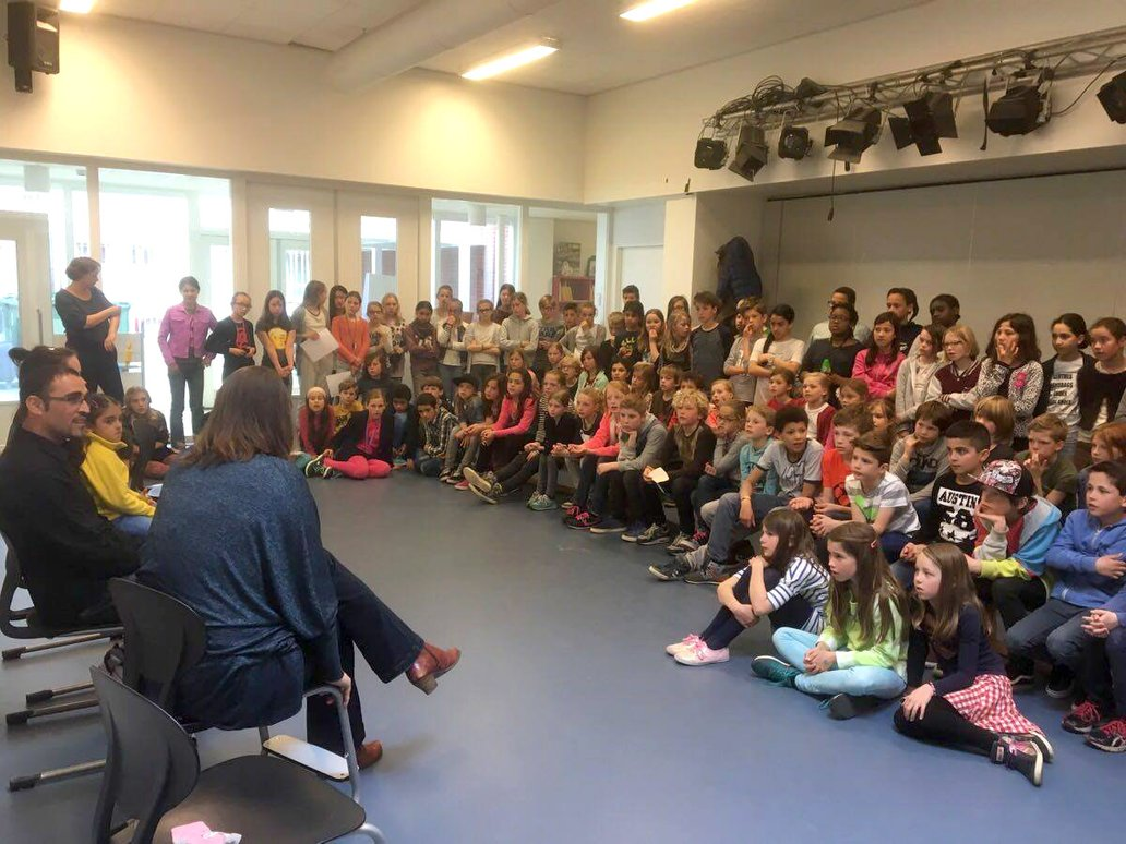 The children at primary school De Kleine Dichter asked all they wanted to know about refugees, their journey to the Netherlands, and their stay here, Source: Facebook - Welkom in Utrecht